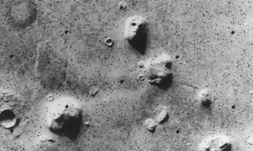 Fane Stelaru / Feţele lu' Marte